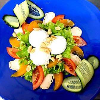 salat-s-kyrizoi-persik